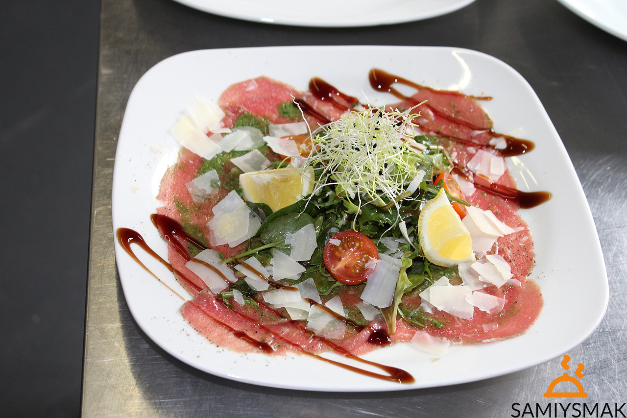 Салат с карпаччо из куриного филе