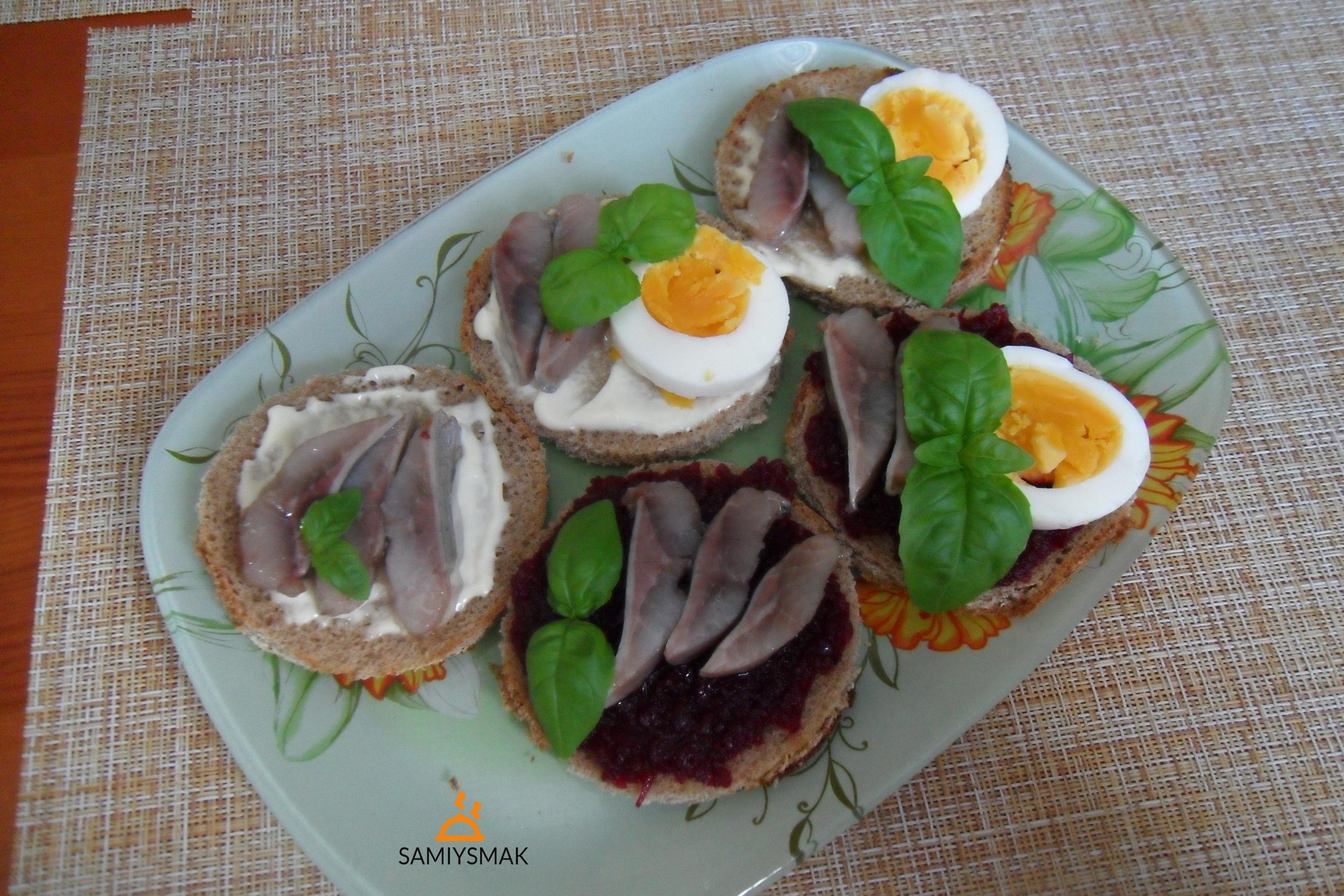 Бутерброды на скорую руку с сельдью