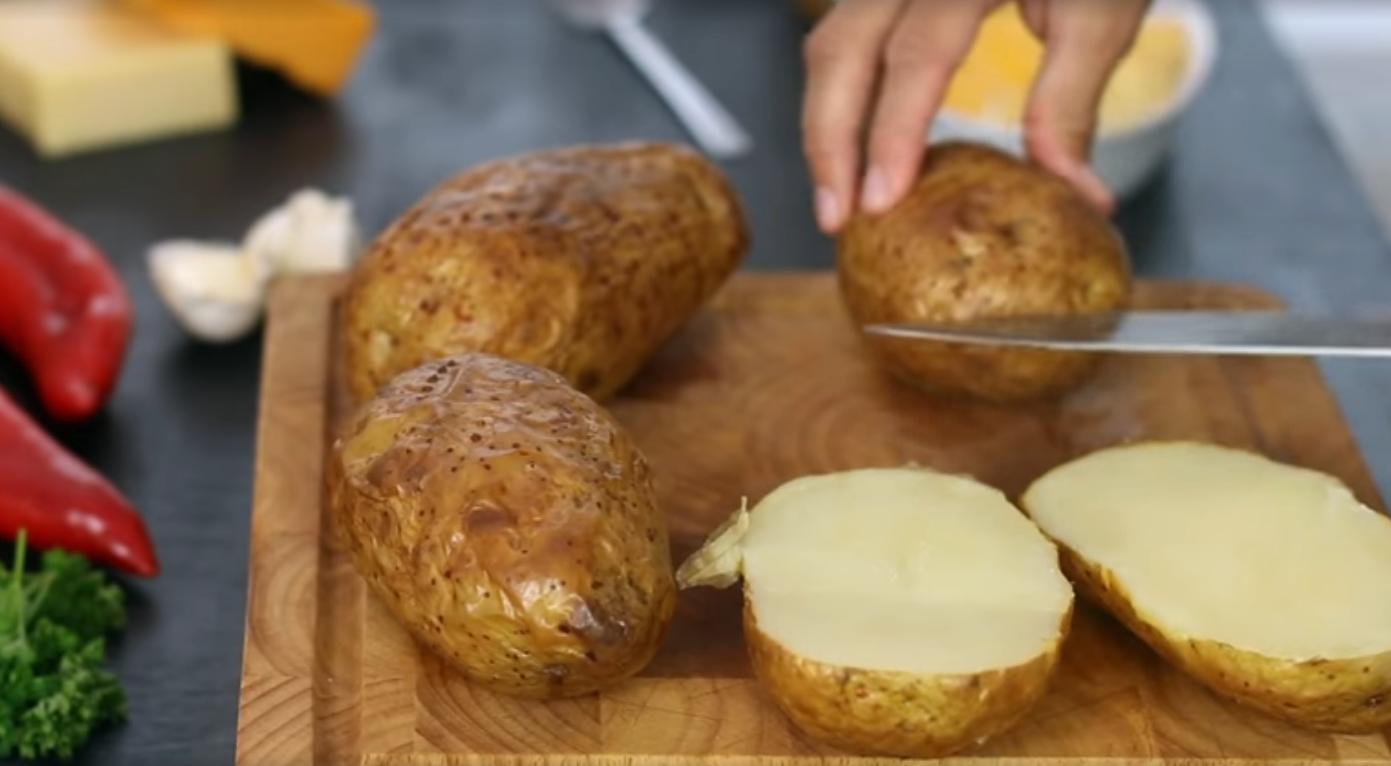 Как готовить картошку с начинкой