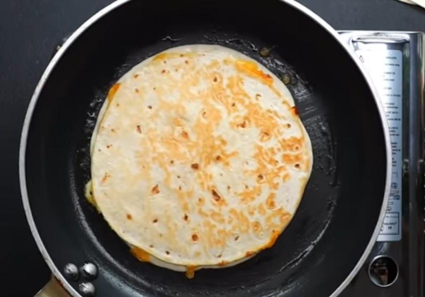 Лепешки в 2 слоя с сыром
