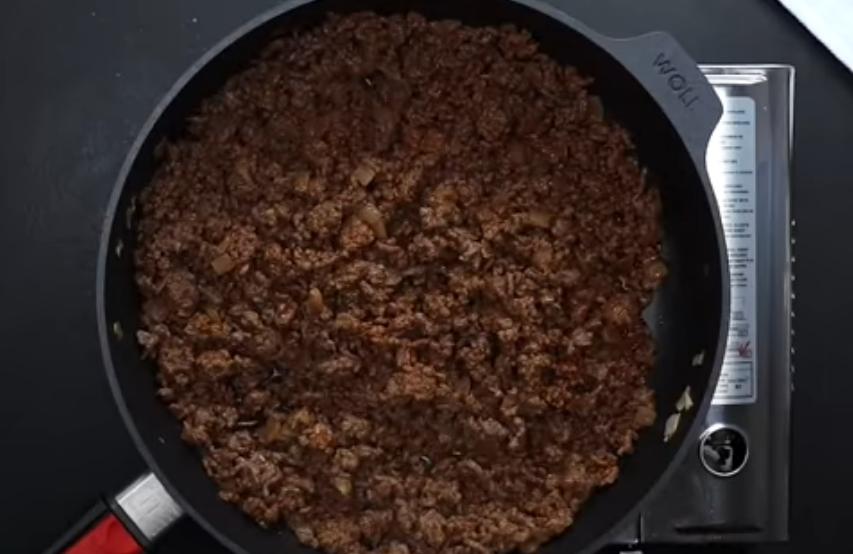 Пряный фарш на сковороде