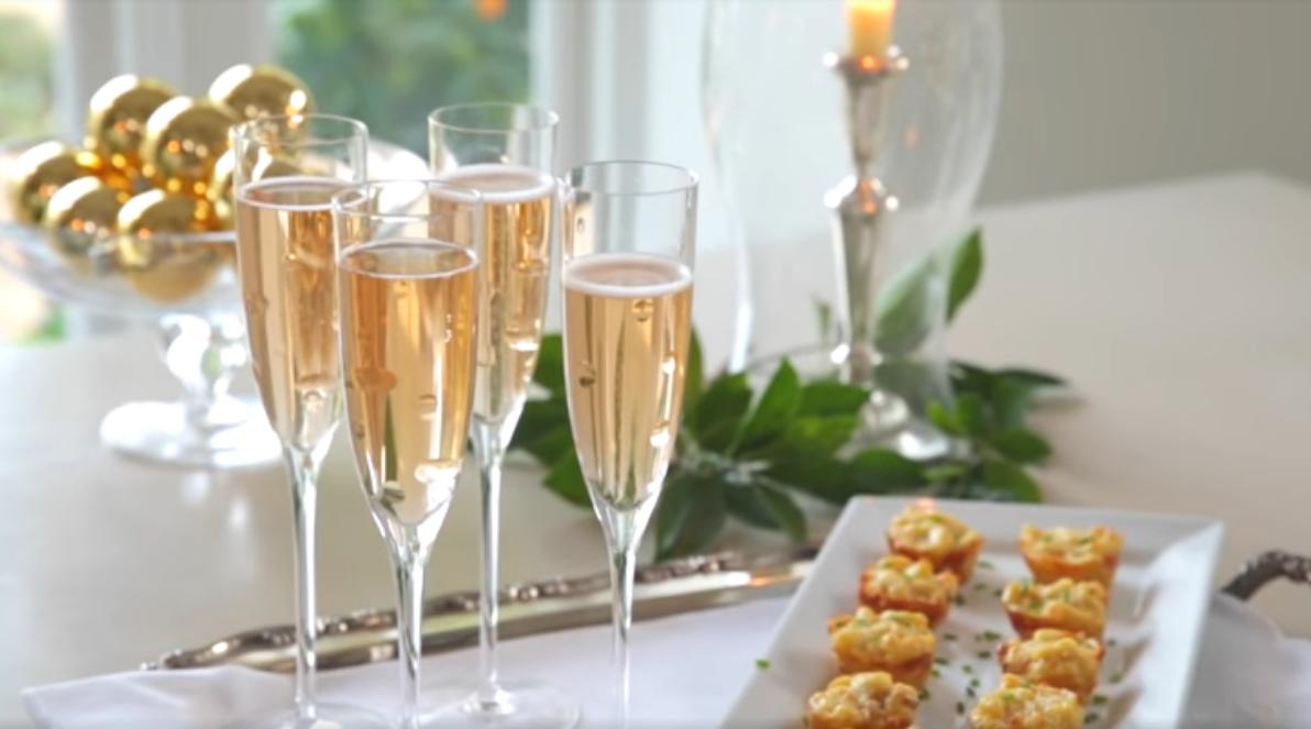 Что подать к шампанскому — выбор заусок настоящих гурманов