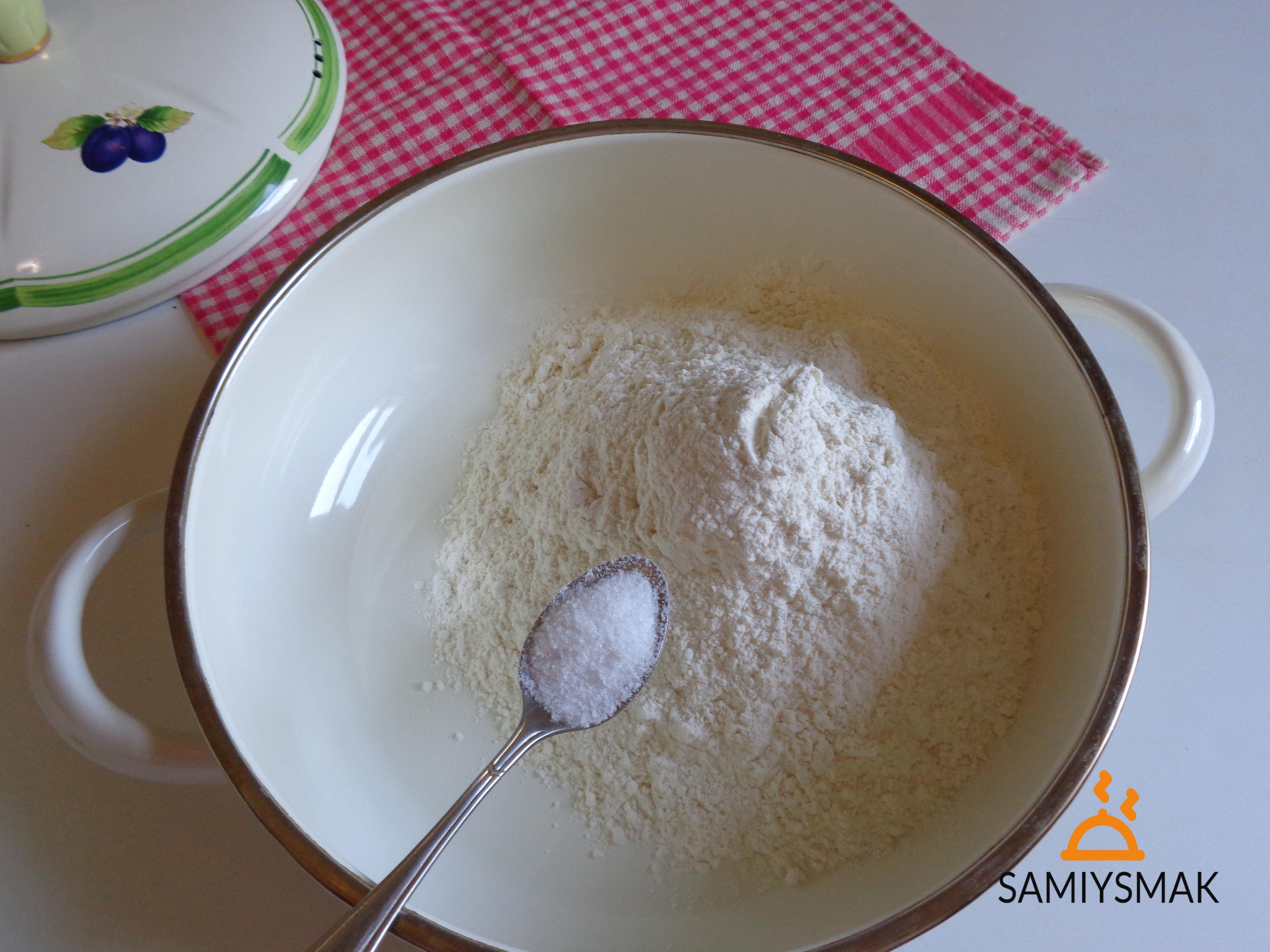 Мука с солью