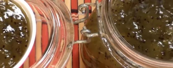 Зеленое варенье из киви