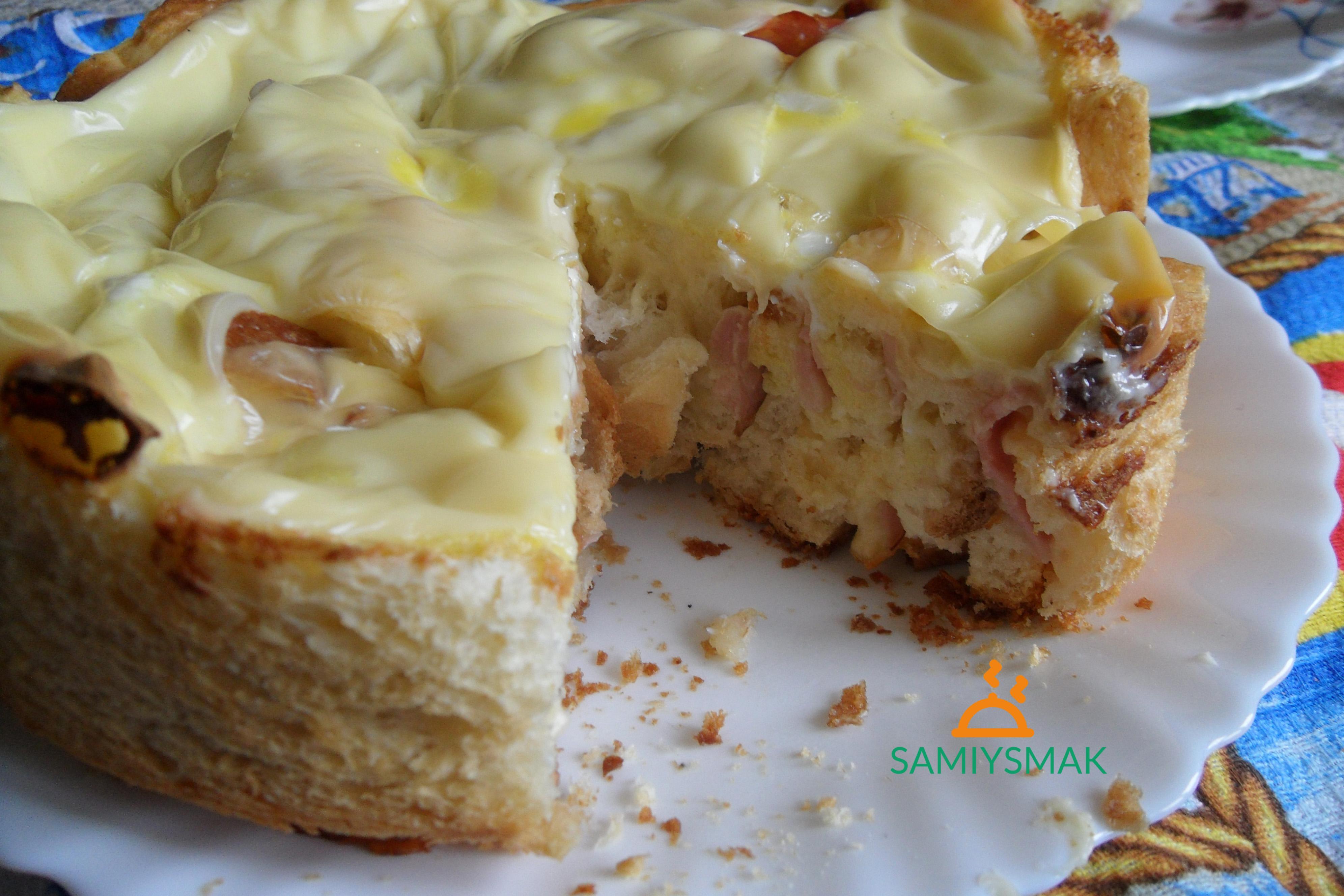 Пирог хлебный из сыра с беконом