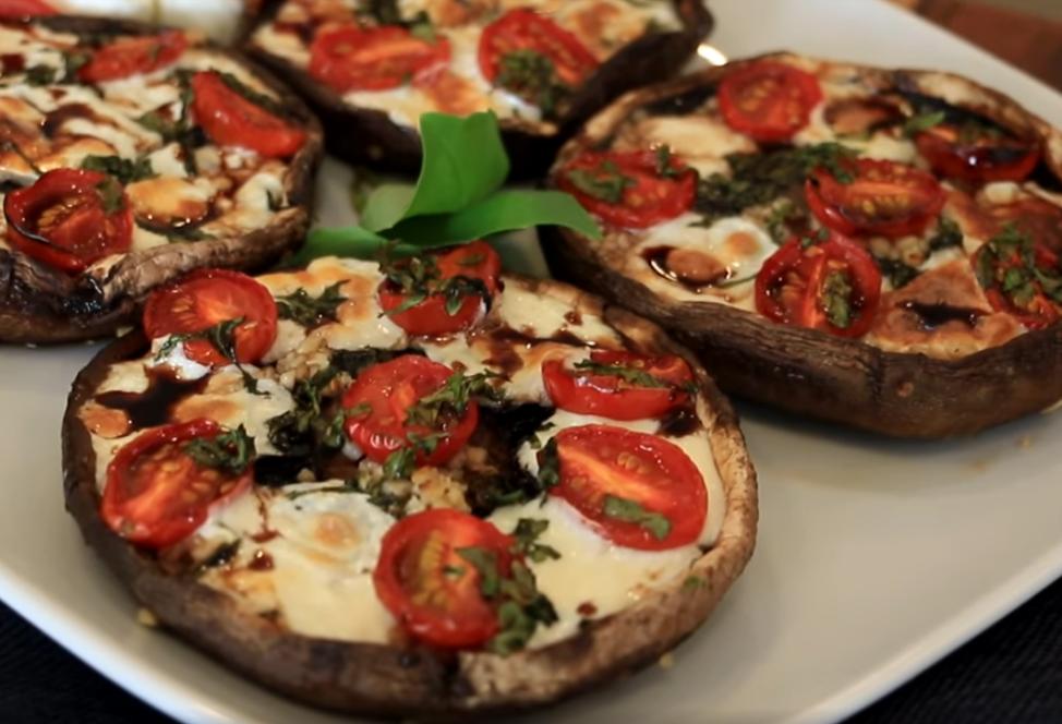 Закусочная пицца в виде грибов