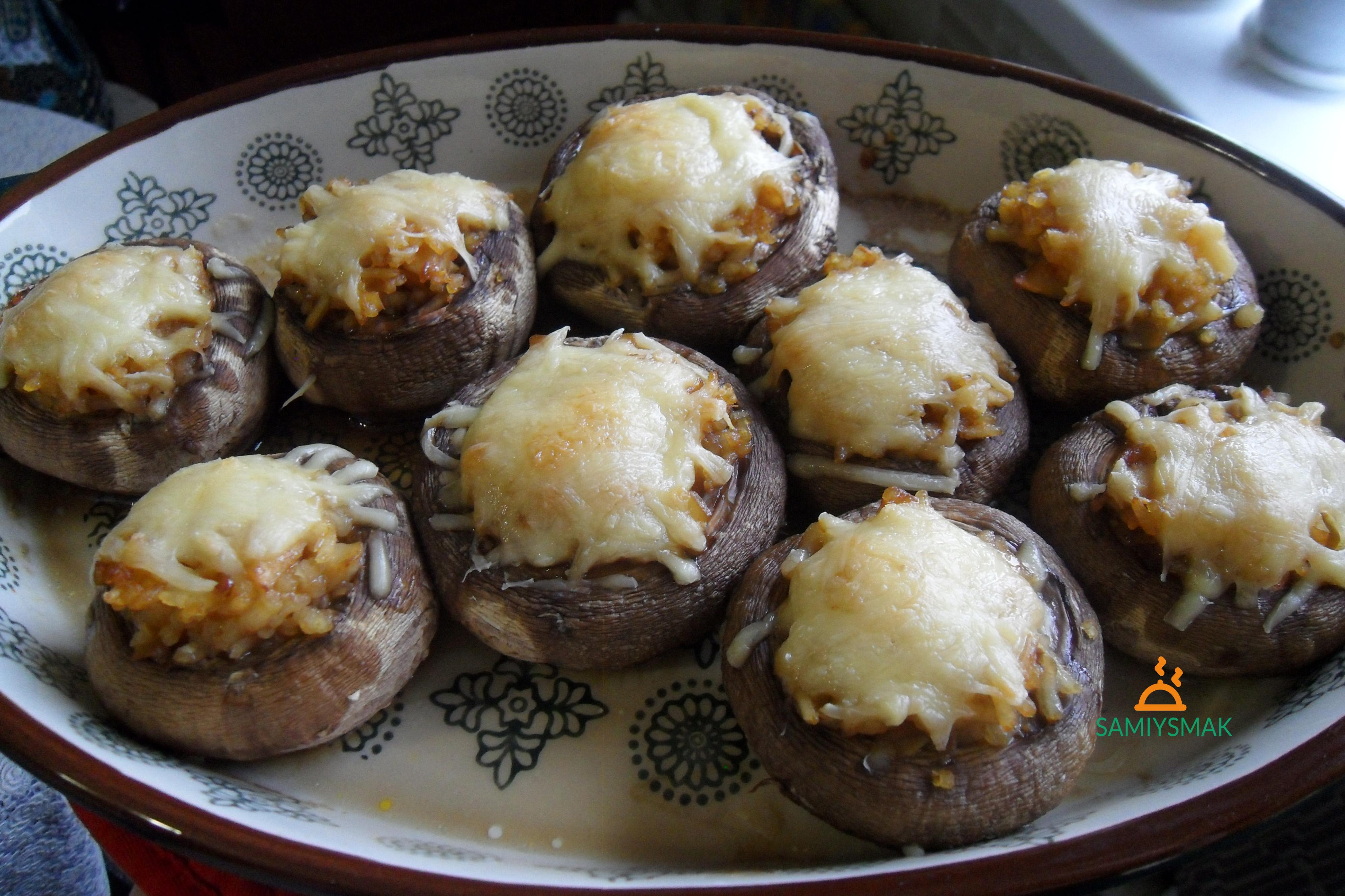 Запеченные грибы в духовке