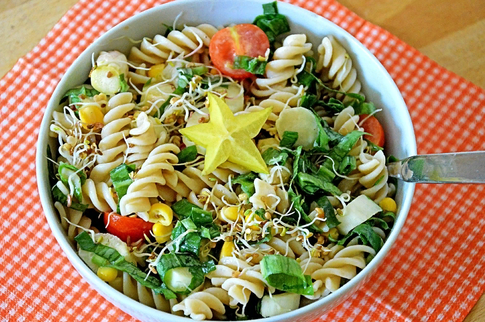 Макаронный салат с овощами