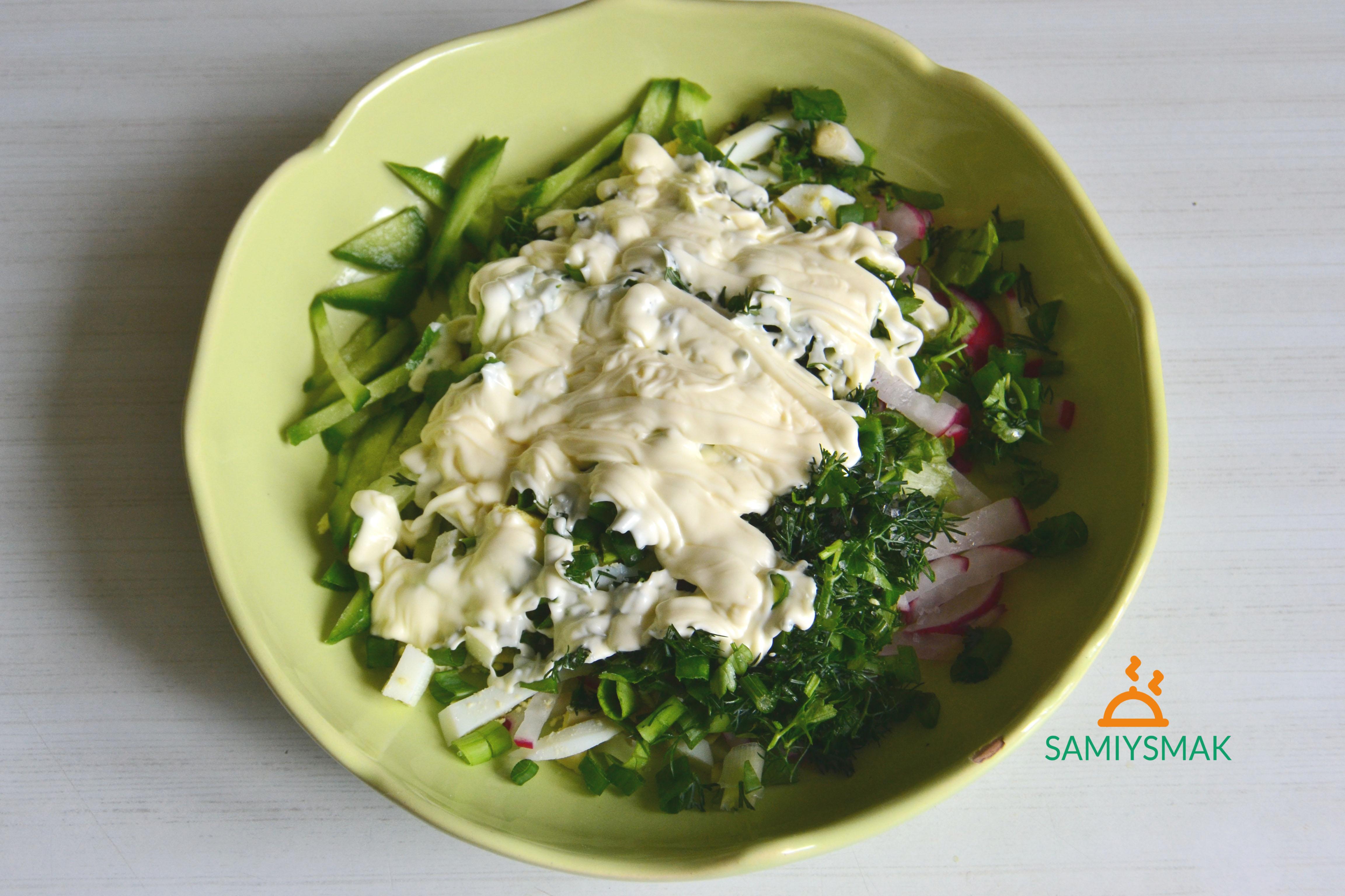 Продукты для салата в миске