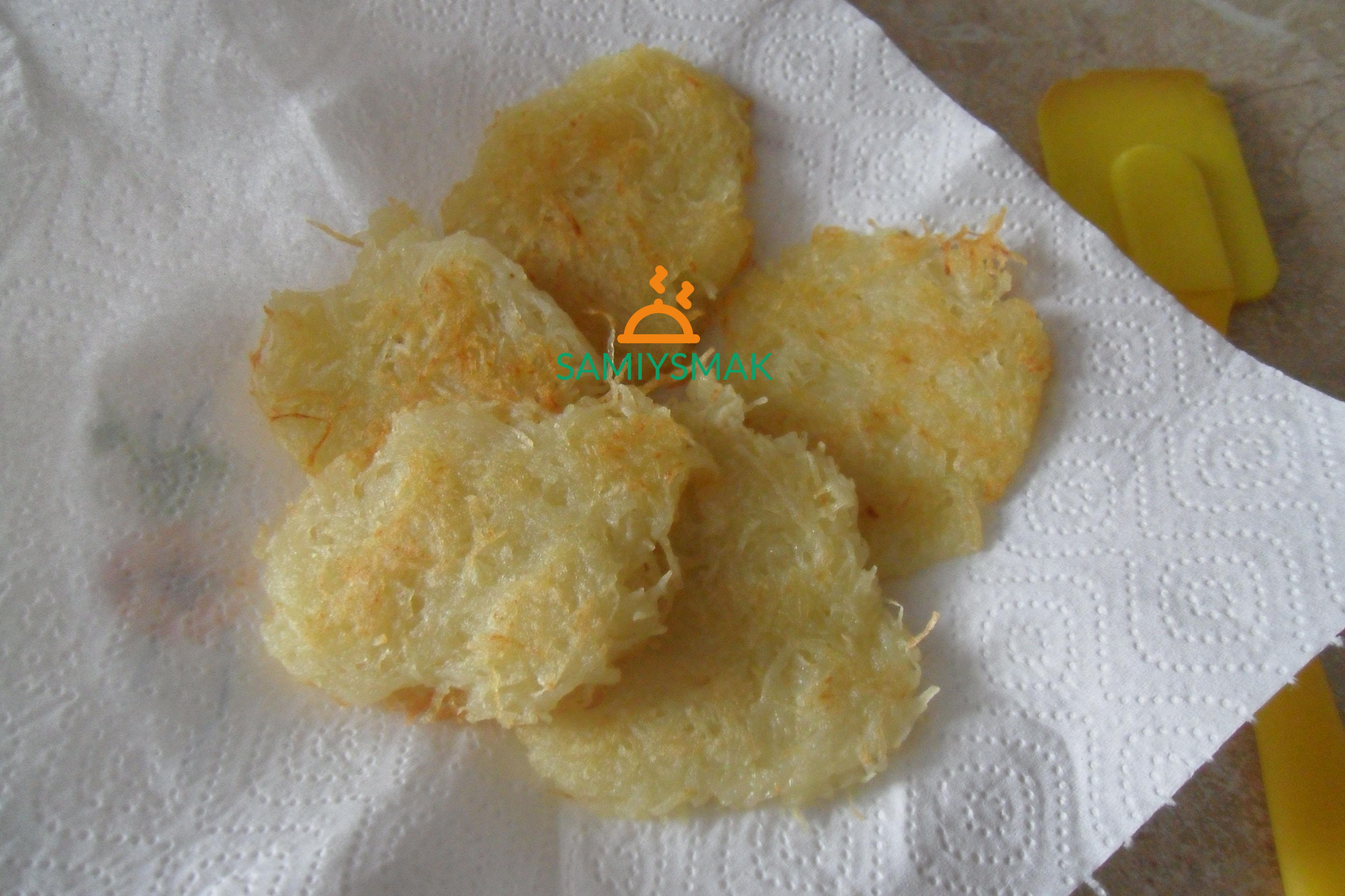 Картофельные драники на салфетках