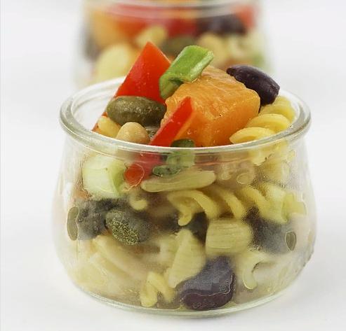 Вкусный салат со спиральками