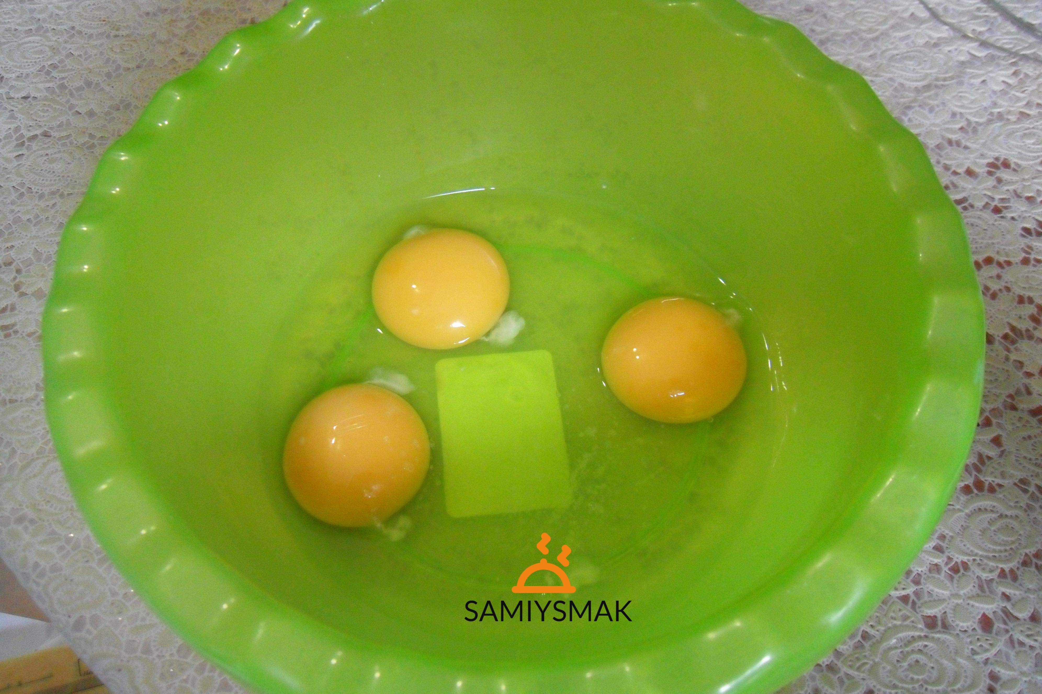 Яйца на заливной пирог