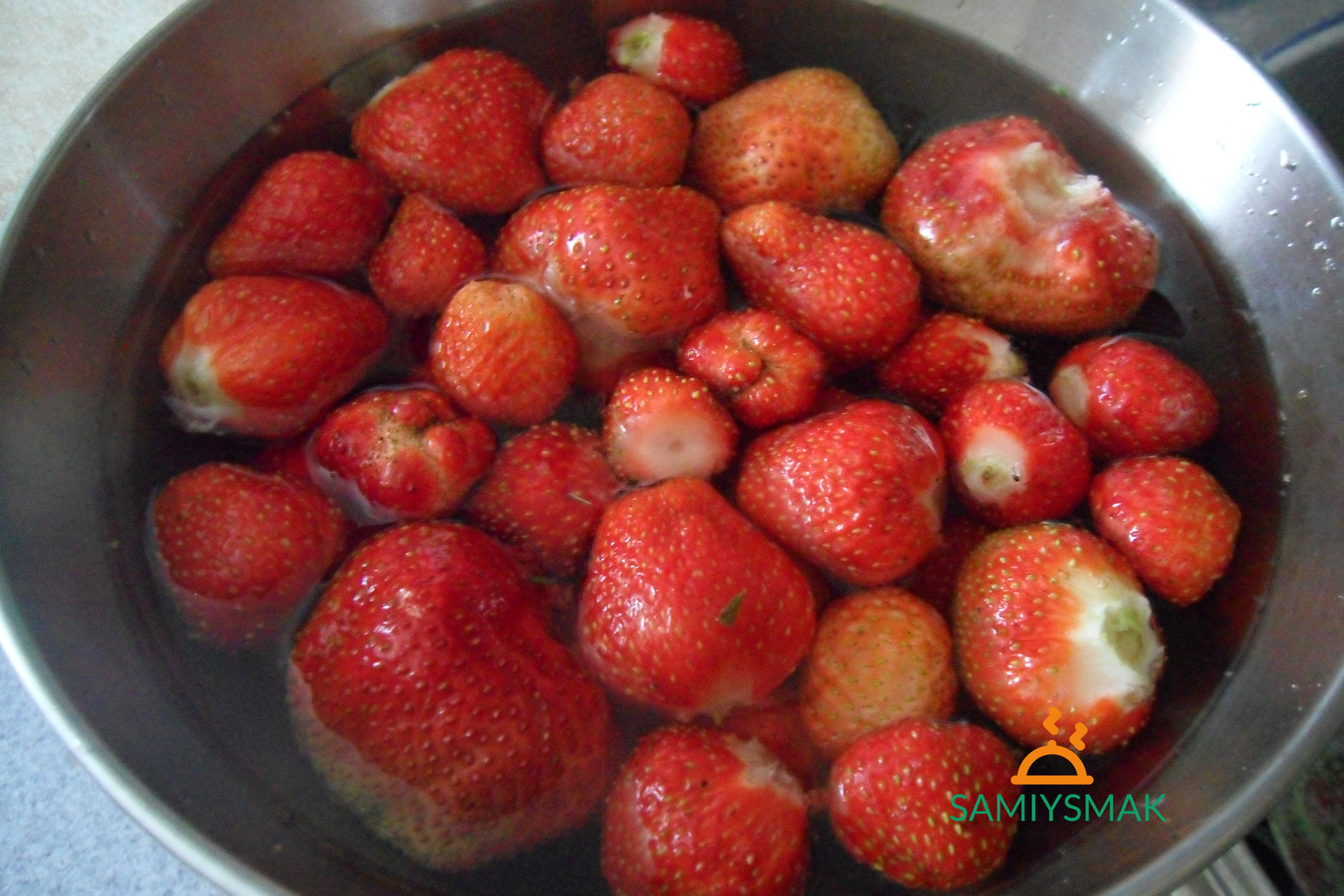 Как правильно мыть ягоды