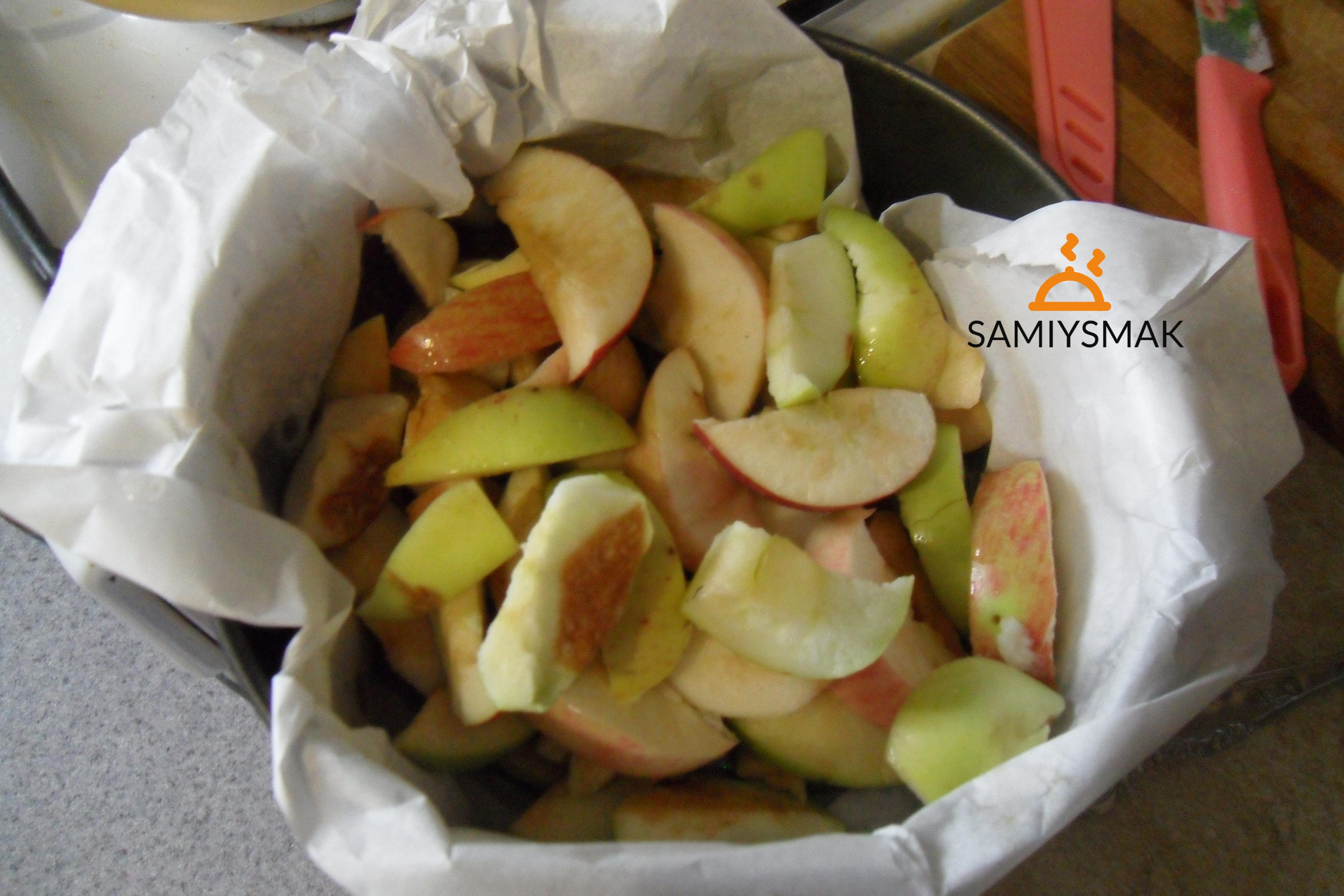 Яблоки крупно порезанные