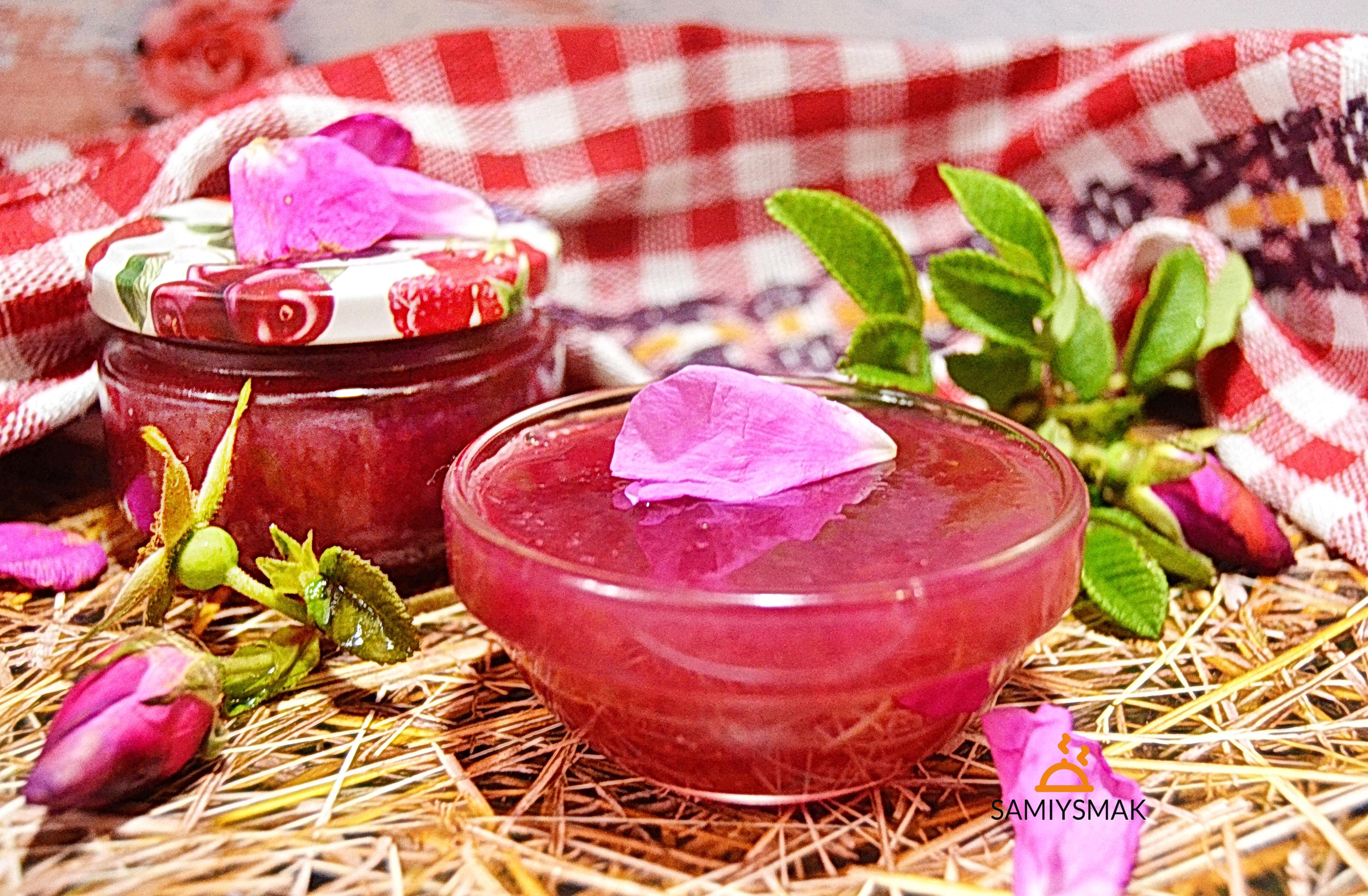 Розовое варенье на десерт