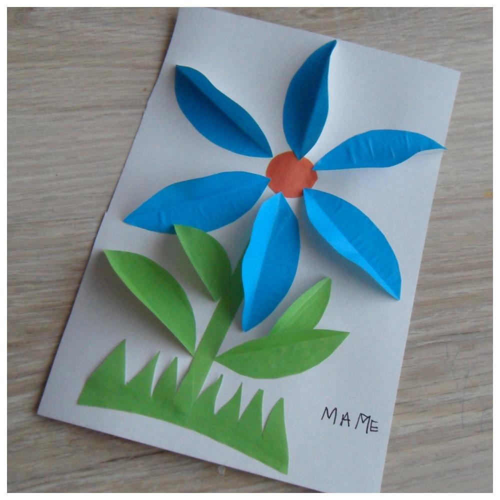 Синий цветок из бумаги