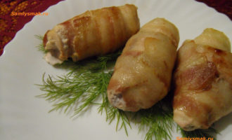 Рулеты из куриной грудки со сливами