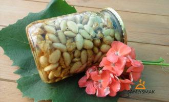 Орехи в меде на зиму